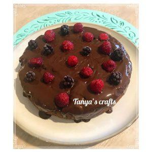 "Къпиново-малинов кейк с бадемово брашно ""Д-р Кескин"""