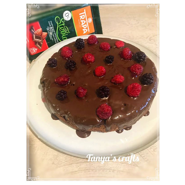 "Къпиново-малинов кейк с бадемово брашно и чия семена ""Д-р Кескин"""